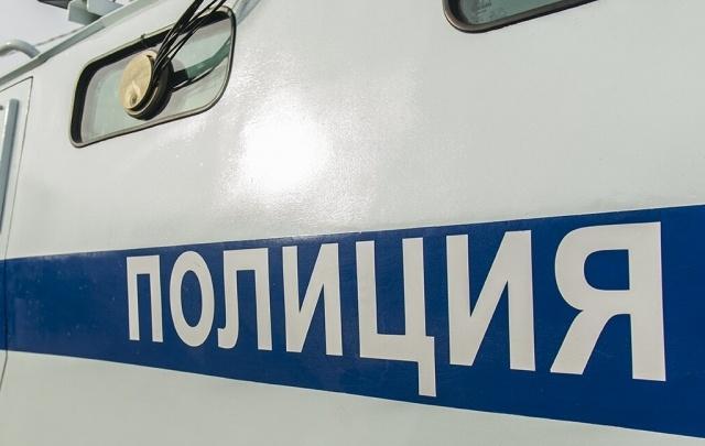 В Ростове мужчина украл у матери украшения