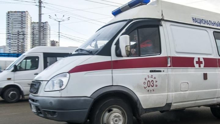 Упавшего в пятиметровую яму на Станиславского мужчину доставали с помощью подъемного крана