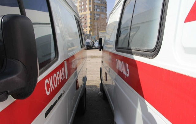 На трассе Волгоград–Москва ВАЗ врезался в маршрутку из Урюпинска