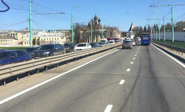 На Московском проспекте нанесли свежую разметку
