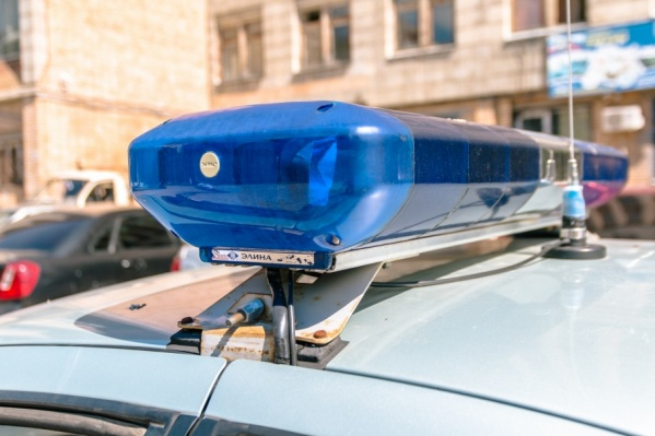 Сотрудники полиции устанавливают обстоятельства инцидента