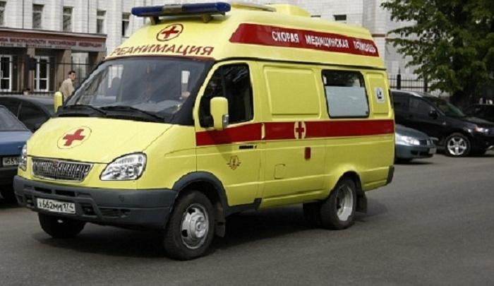 Возле поста ГАИ в Челябинске водитель Honda сбил на зебре пожилую женщину