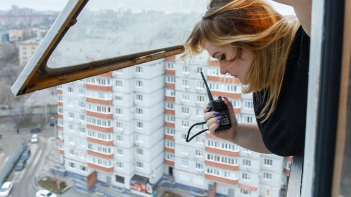 «Американским горкам не снилось»: молодая крановщица создает свою карту Волгограда