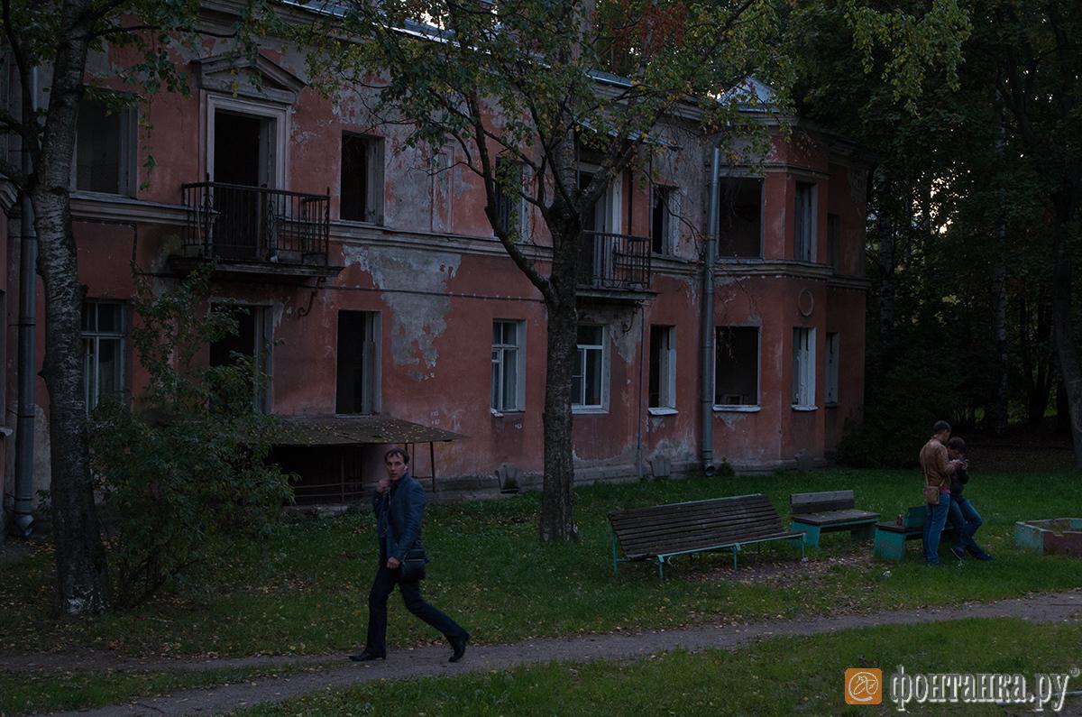 Часть Старопарголовского жилмассива на пр. Тореза, 71-79, фото сделаны в сентябре 2015 г.