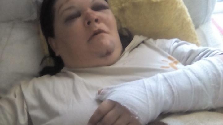 «Меня вытолкнул муж!»: выпавшая из маршрутки челябинка объяснила ДТП угрозой увольнения