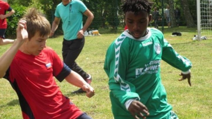 Сироты и ребята с потерей слуха из Северодвинска сыграют в футбол и волейбол в Германии