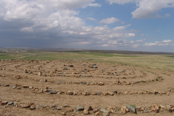 Путеводитель подробно расскажет об истории появления заповедника и главных археологических раскопках