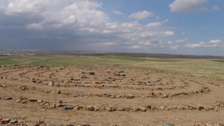 Путеводитель, сделанный на грант от Путина, расскажет туристам об истории «Аркаима»