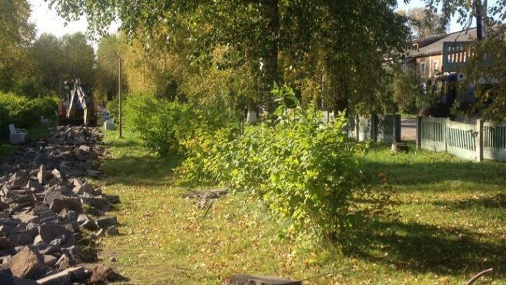 По аллеям и дворам: Новодвинск продолжают благоустраивать