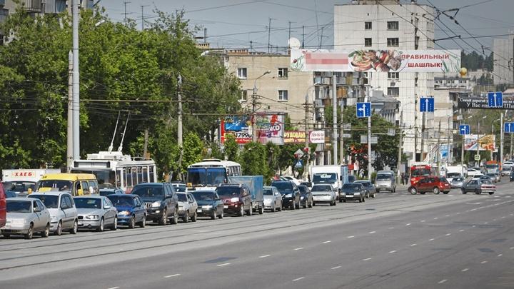 Свердловский проспект перекроют на полчаса из-за крестного хода