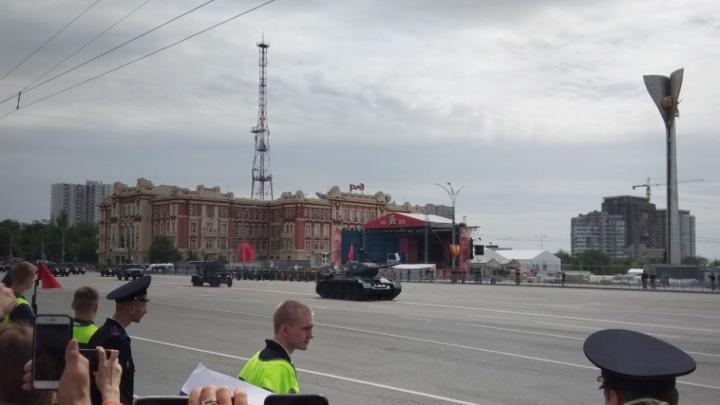 В Ростове водитель танка Т-34 не справился с управлением