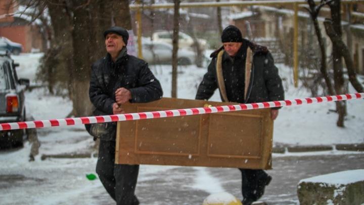 Выбегали в халатах и выбирались через крышу: пострадавшие рассказали подробности о взрыве газа в Ростове