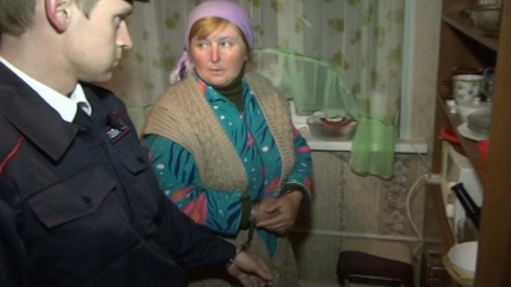 «Я рыла яму и дрожала»: закопавшая приемного сына женщина созналась