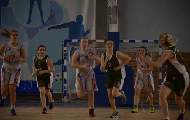 Архангельские школьницы стали третьими на чемпионате «КЭС-БАСКЕТ»