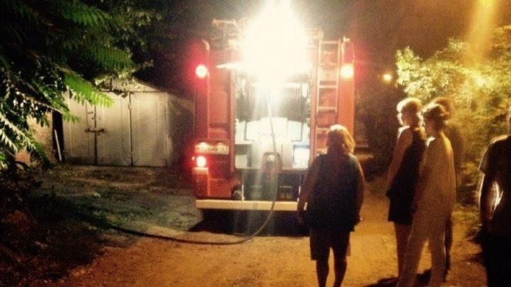 Ростовские пожарные спасли от огня дома на Комсомольской площади