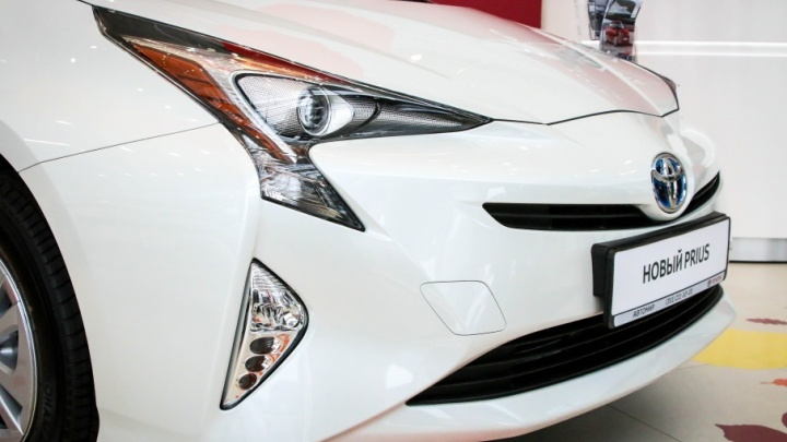 Гаджет на колесах: легендарный экокар Toyota Prius вернулся
