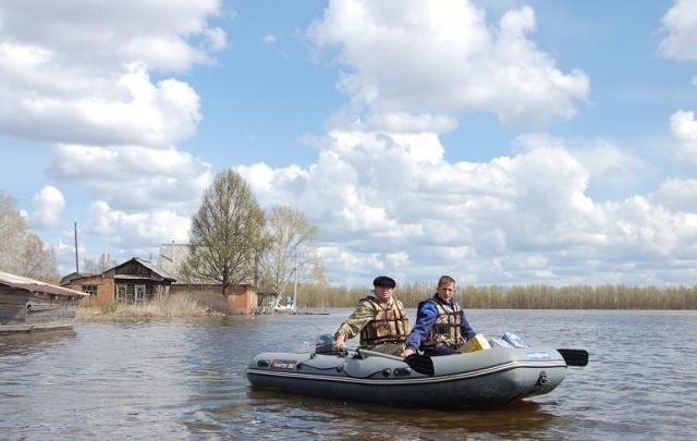Ярославские почтальоны будут развозить письма на надувных лодках