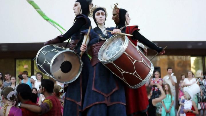 В июне Архангельск впервые посетят барабанщики из Колумбии