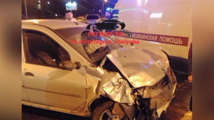 На перекрёстке в Челябинске столкнулись четыре автомобиля