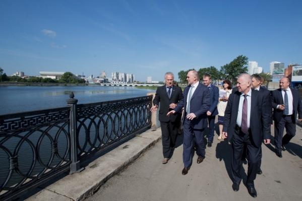 Губернатор проверил, как идёт благоустройство в Калининском районе