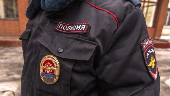 Полиция проводит проверку по факту крупного пожара в автосервисе на Авроре
