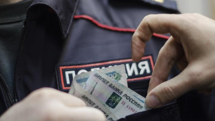 Медицина, чиновники и правоохранители: северяне сказали, кому чаще достаются взятки и «подарки»