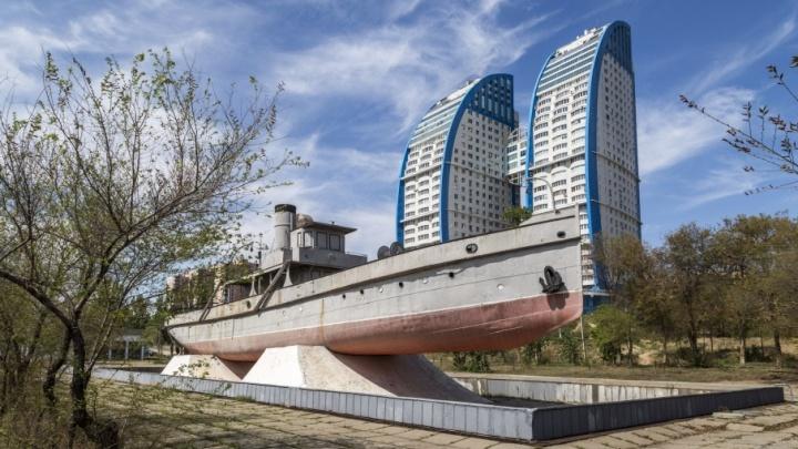 В Волгограде за 20 миллионов вырубят деревья у «Гасителя» ради газона и уличных диванов
