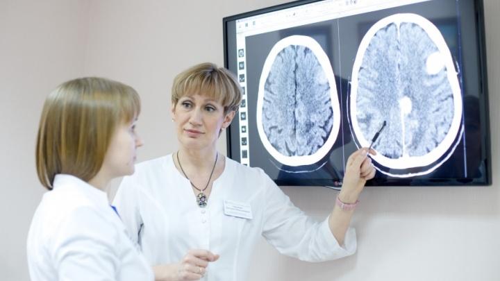 Онколикбез: что видит компьютерная томография, а что — МРТ и почему не всех на них берут