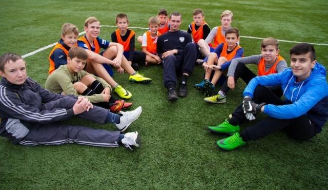 Пермские школьники разыграли «Кожаный мяч»