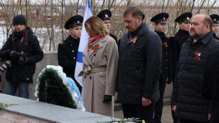 В Архангельске в День Победы почтили память погибших воинов