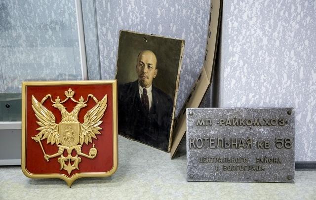 Химлаборатория и довоенные люки: в Волгограде собрана уникальная коллекция раритетов ЖКХ