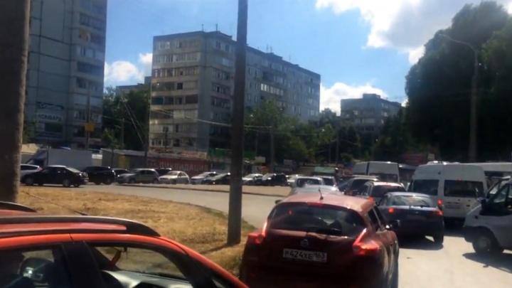 Адская пробка на «Шапито»: кольцо встало из-за отключенных светофоров