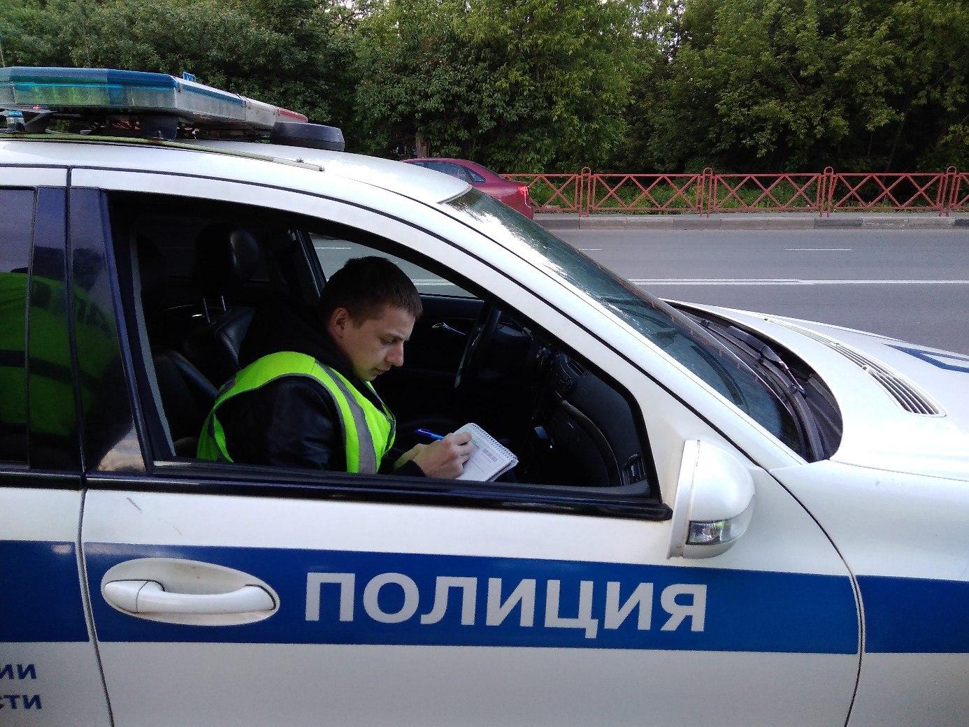 За излишнюю тонировку водителям выписывают по 500 рублей штрафа и требование устранить нарушение