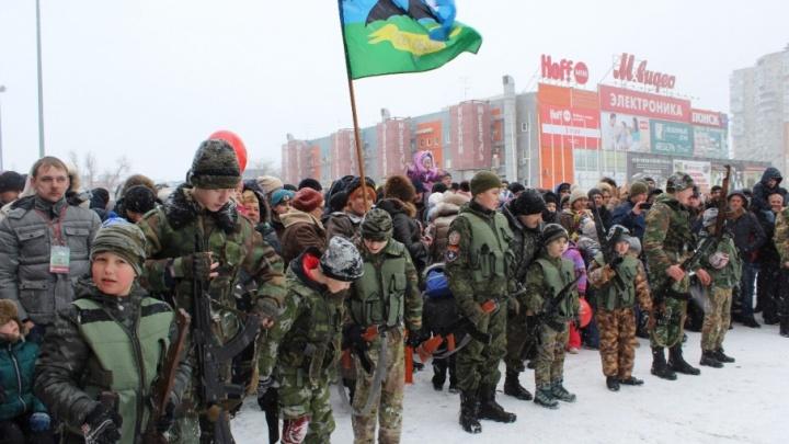 Полевая кухня и выставка оружия: в Ростове отметили День защитника Отечества
