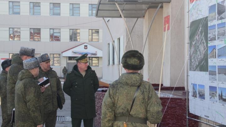 Подняли по тревоге: самарских военных проверяет командующий Центральным военным округом