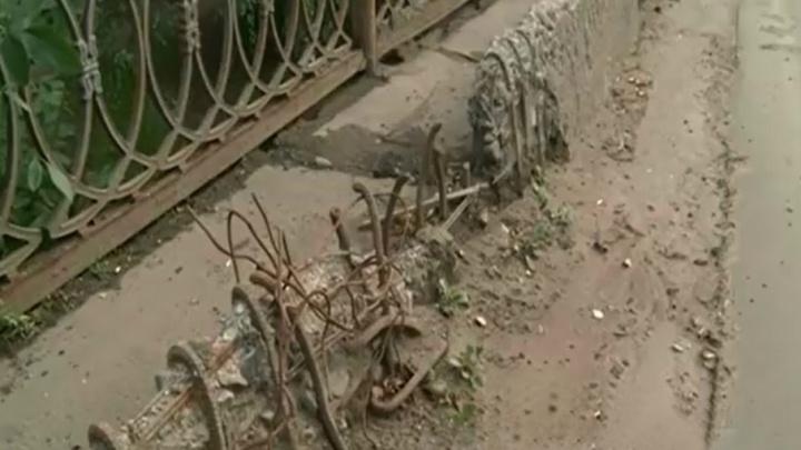 У адмтехнадзора возникли серьёзные претензии к содержанию Добрынинского моста
