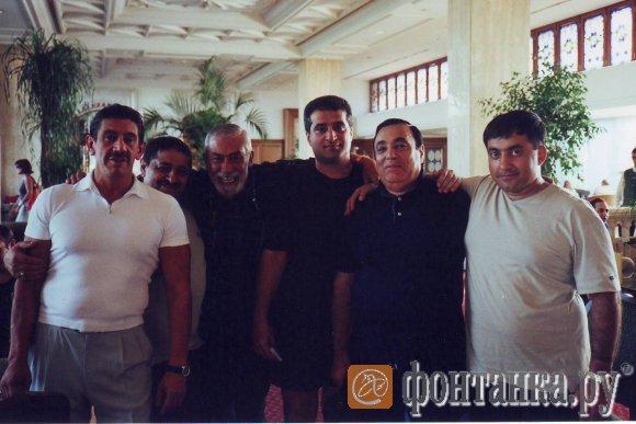 Слева: Яковлев, Осипов, Вахтанг Кикабидзе. Пятый - Усоян