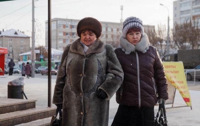 Тюменских пенсионеров приглашают на бесплатные занятия йогой