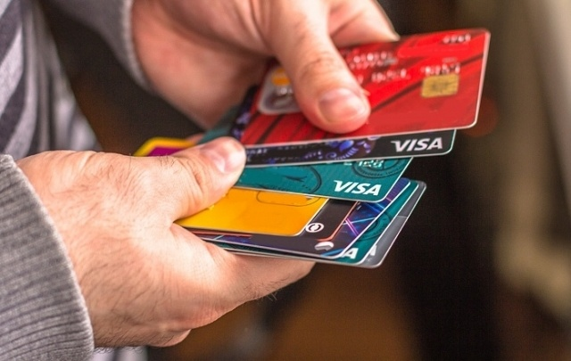 В Самарской области банки за два месяца выдали местным жителям 15 048 кредиток