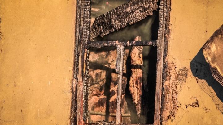 На Дону подросток погиб под обломками рухнувшей стены старого дома