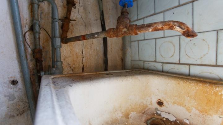 В батареях отопления волгоградских квартир потечет зеленая вода