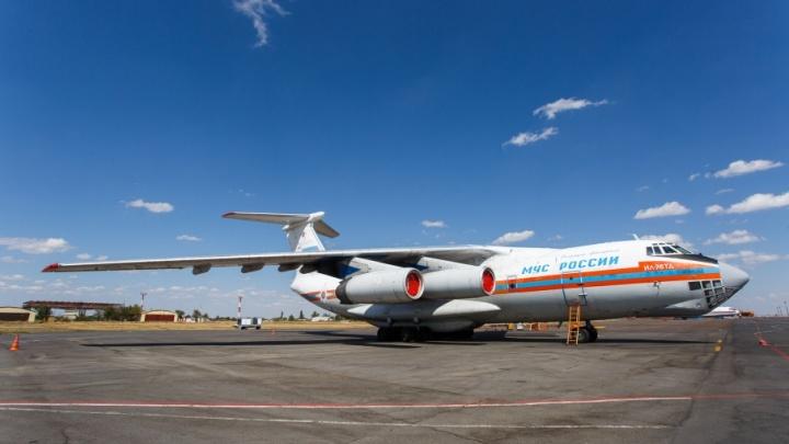 Авиация вновь тушит крупные степные пожары в трех районах Волгоградской области