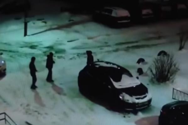 Мужчин ищет полиция