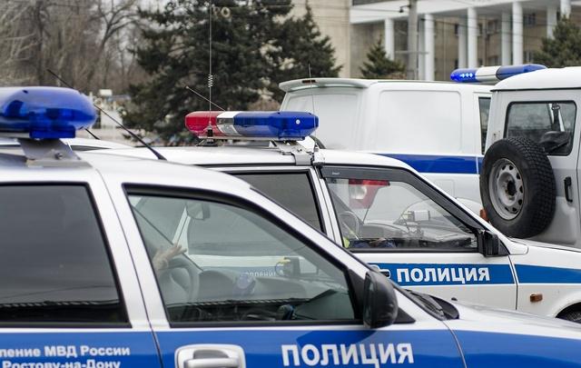 В Ростове ночью сняли колеса с машины