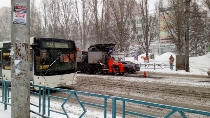 «Подрядчиков поправим»: мэр Самары прокомментировала ремонт дорог в снегопад