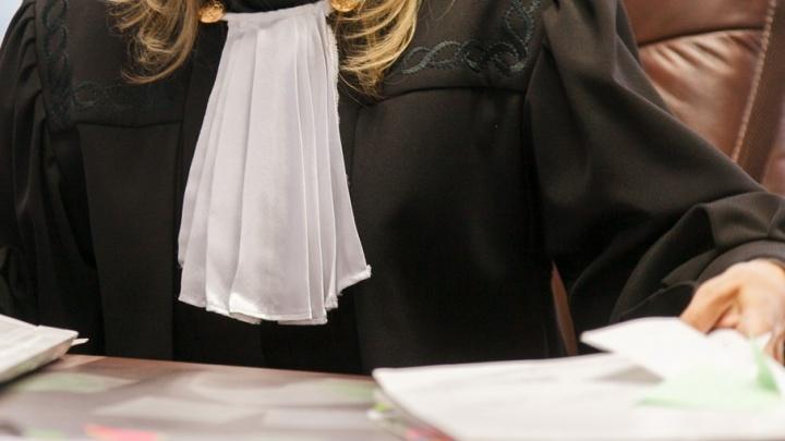 В Тюмени инвалид через суд требует с заместителя губернатора 10 миллионов рублей