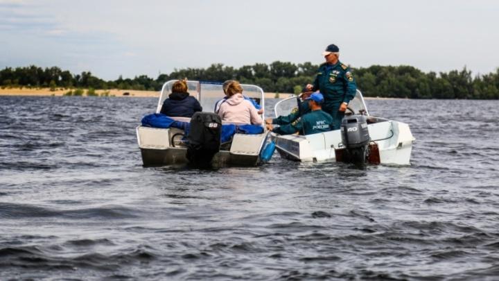 Волгоградские лодки плавают без спасательных жилетов и документов