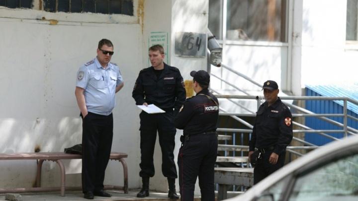 В центре Челябинска с балкона высотки выпала женщина