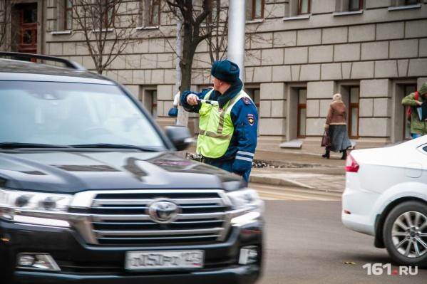 Полицейские потребовали водителя остановиться, чтобы проверить документы
