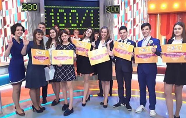 Выпускники ростовской гимназии победили в программе «Сто к одному»
